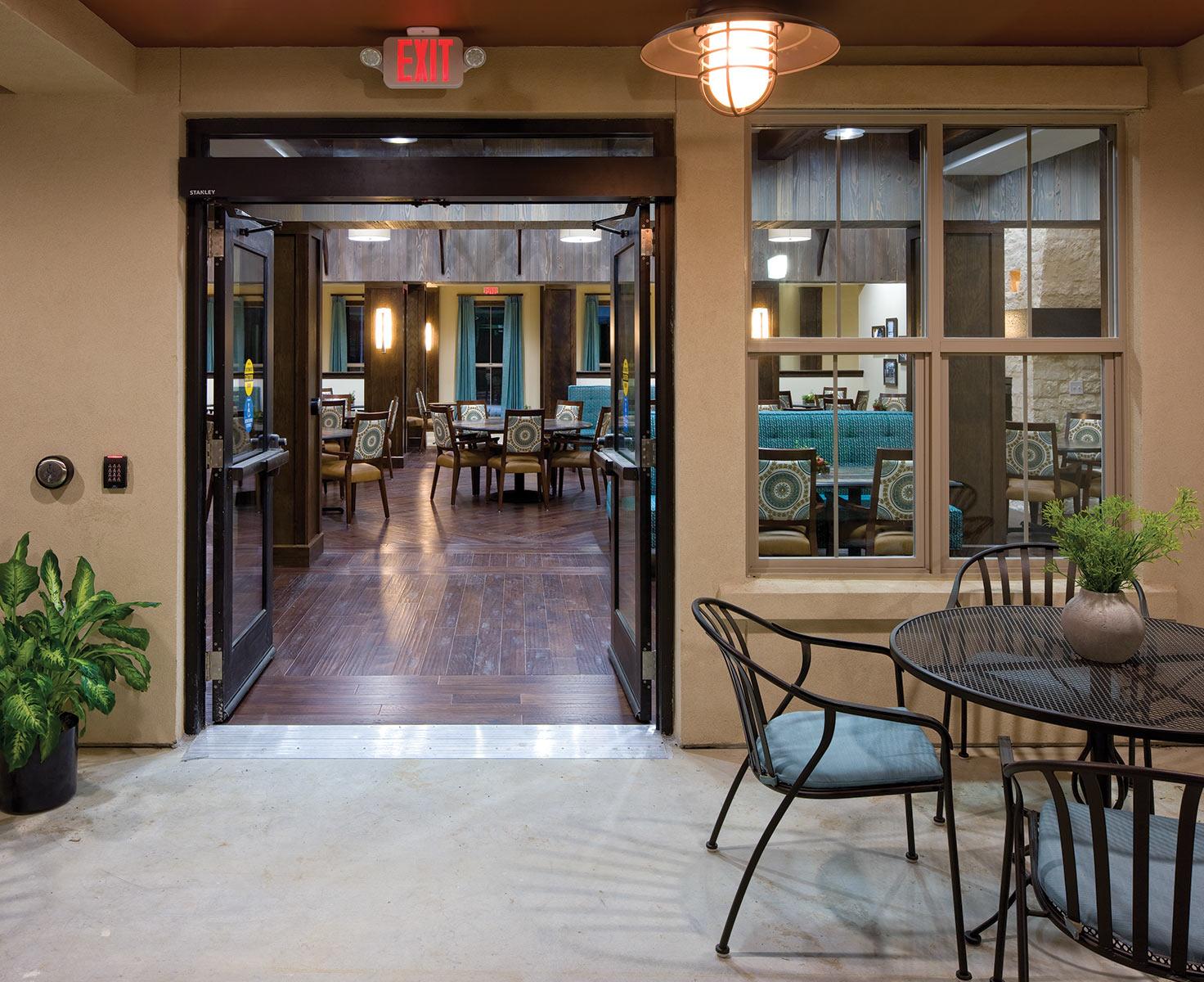 Bar area at Elan Westpointe